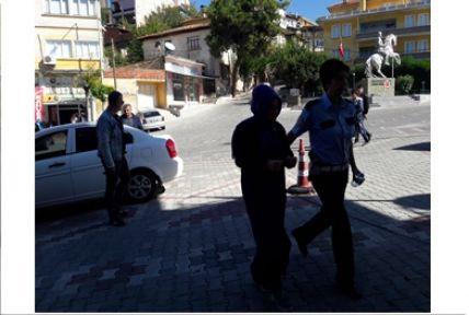 Fetö'cü iddiasıyla bir bayan öğretmen gözaltına alındı