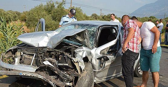 İki otomobil birbirine girdi 2 ölü 2 ağır yaralı