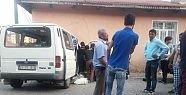 Demirci 'de feci kaza 1'i ağır 2 yaralı