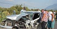 İki otomobil birbirine girdi 2 ölü 2...