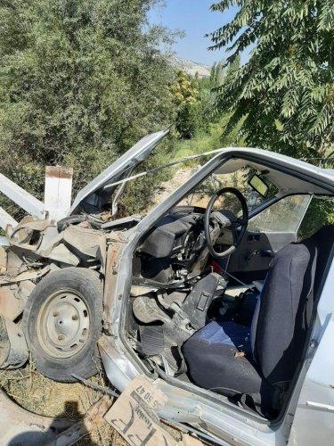 Manisa'nın Selendi İlçesi'nde meydana gelen trafik kazasında araç sürücüsü yaralandı.