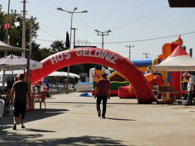 27. Mesir Sanayi ve Ticaret Fuarı, Manisa Büyükşehir Belediyesi Fuar Merkezi'nde kapılarını ziyaretçilere açtı. Bakanlığın belirlediği kurallar çerçevesinde SNS Fuarcılık tarafından büyük bir titizlikle organize edilen fuar, 13 Eylül Pazar gününe kadar devam edecek.