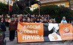 Demircili kadınlar şiddeti kınamak için yürüdü
