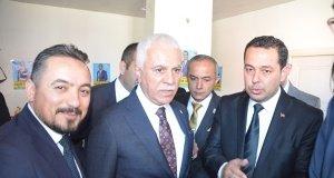 Koray Aydın Demirci'de halkın yoğun ilgisiyle karşılandı