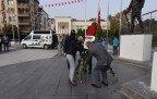 Vali Güvençer Muhtarlar Gününde Dernekleri Ziyaret Etti