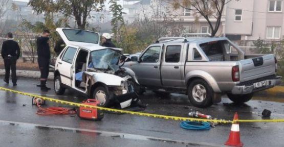 Akhisar'da feci kaza 1 ölü 2 ağır yaralı