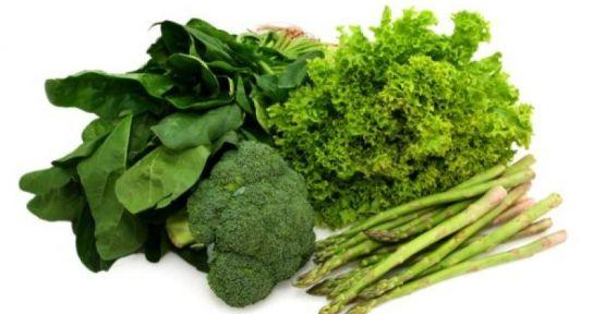 Beyni genç tutmanın yöntemi yeşil sebze yemek