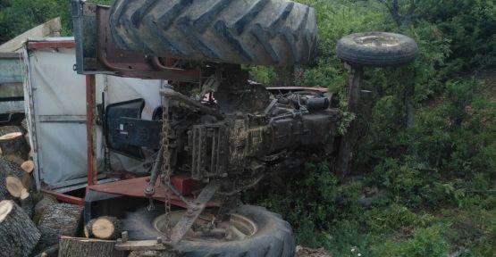 Demirci'de traktör kazası 1 kişi ağır yaralı