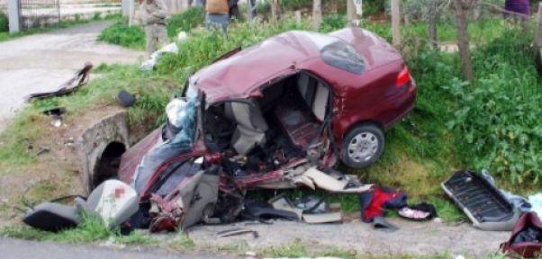 Feci kazada bir aile yok oldu 3 ölü bir ağır yaralı