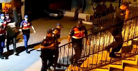 Hırsızlık şebekesi Demirci'de yakalandı
