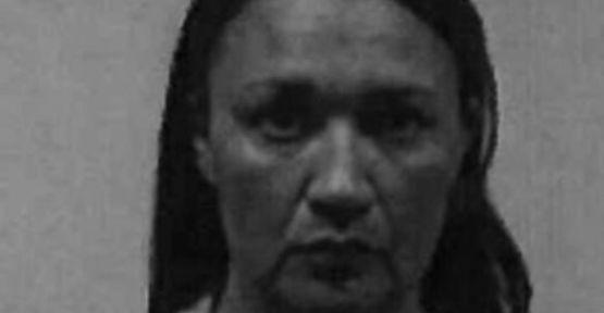 Kadın öğretmen 13 yaşındaki öğrencisiyle arabada cinsel ilişki kurarken yakalandı