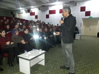 Manisa Narkotik Şubeden uyuşturucuyla mücadele semineri