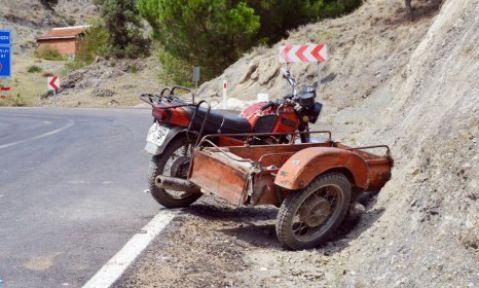 Sepetli Motosiklet devrildi 1 ölü
