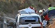 Aşırı hız ölüm getirdi 2 kişi hayatını...