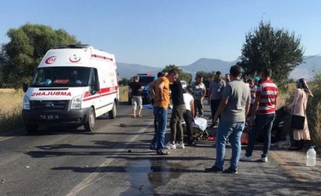 Motosiklet sürücüsü kazada can verdi 1 kişi ağır yaralı