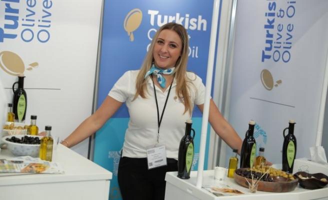 Türk zeytinyağı ihracatçıları 285 milyon dolarlık İngiltere pazarına maya çaldı