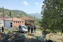 Demirci'de feci kaza 1 ölü biri çocuk 5 yaralı
