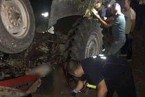 5 çocuk babası çiftçi traktörün altında kaldı can verdi