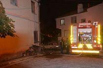 Gece yarısı çıkan yangın mahalle halkını sokağa döktü