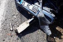 Demirci'de kaza! Süt kamyonu ve otomobil çarpıştı  6 kişi yaralı