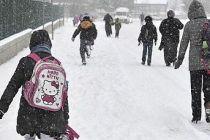 Demirci'de Taşımalı Eğıtime Kar Engeli