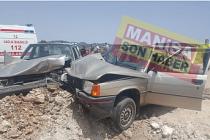 Son Dakika ! Demirci'de Trafik Kazası ! İki Otomobil Kafa kafaya çarpıştı 4 kişi yaralandı