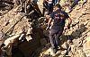 Demirci'de bir ev çöktü enkazda kalanlar var SON DAKİKA!