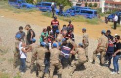Salihli'de JES eylemi CHP Milletvekili yaralandı 26 kişi gözaltına alındı www.manisasonhaber.com