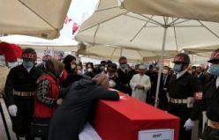 Turgutlu Şehidini Kalbine Gömdü www.manisasonhaber.com