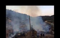 Demirci Iklıkçı'da 5 ev yanarak kül oldu