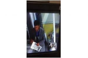 Demirci'de iki işyerini soydu kıskıvrak Yakalandı
