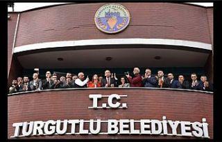 Turgutlu Belediyesindeki devir teslimde yeni başkan...