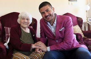 100 yaşındaki anneye anneler gününde ziyaret