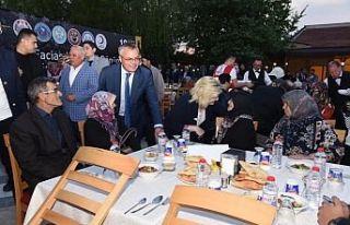 Vali Deniz Soma'da Şehit Aileleriyle Birlikte İftar...