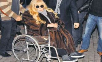 Zerrin Özer artık tekerlekli sandalye üzerinde yaşayacak