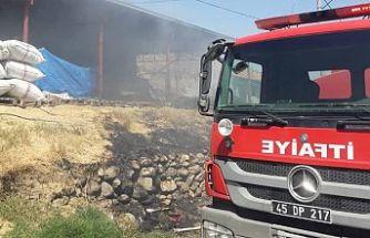 Çiftlikte çıkan yangında hayvanlar son anda kurtarıldı
