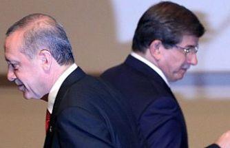 AKP'den Davutoğlu  istifaları devam ediyor