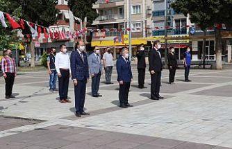 Kula'da 19 Mayıs, Çelenk Sunma Töreni İle Başladı