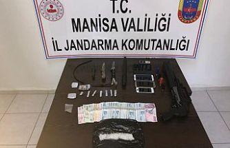 Uyuşturucu Tacirlerine jandarmadan Darbe ! 4 Kişi Gözaltına Alındı