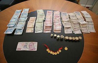 Dilencinin üzerinden 8 altın ve 4 bin lira para çıktı!