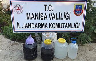 Yasadışı içki üretmek ve satmaktan 11 eve baskın düzenlendi