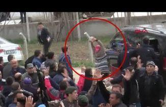 Kılıçdaroğlu'nun aracına saldırı anları