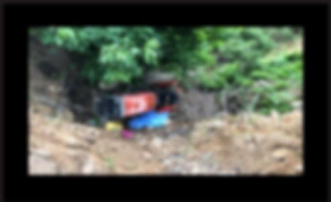 Virajı alamayan traktör dereye uçtu 1 kişi öldü 1 kişi yaralandı