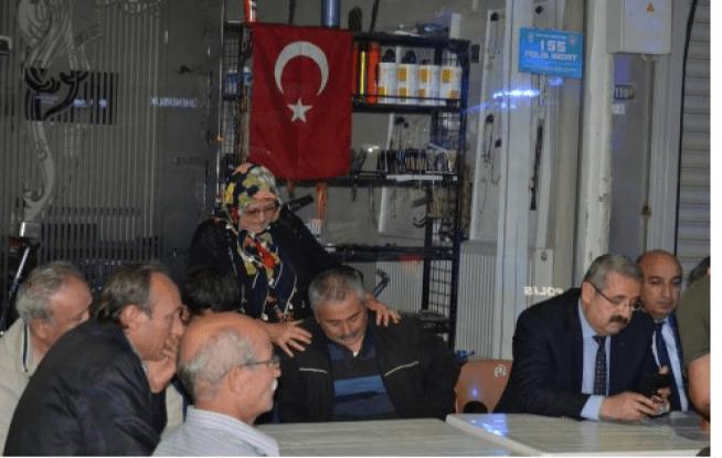 Salihlili şehidin evine Türk Bayrağı asıldı