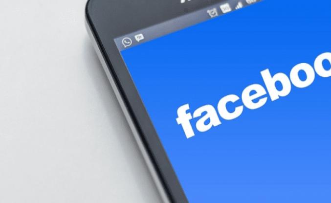 Facebook İzinsiz Açılan Kamera Sorununu Çözdü